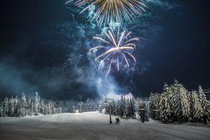 Silvestr na horách s ohňostrojem